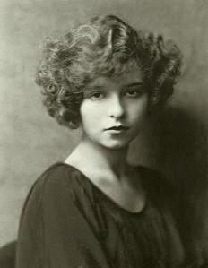 Clara_Bow_portrait_2